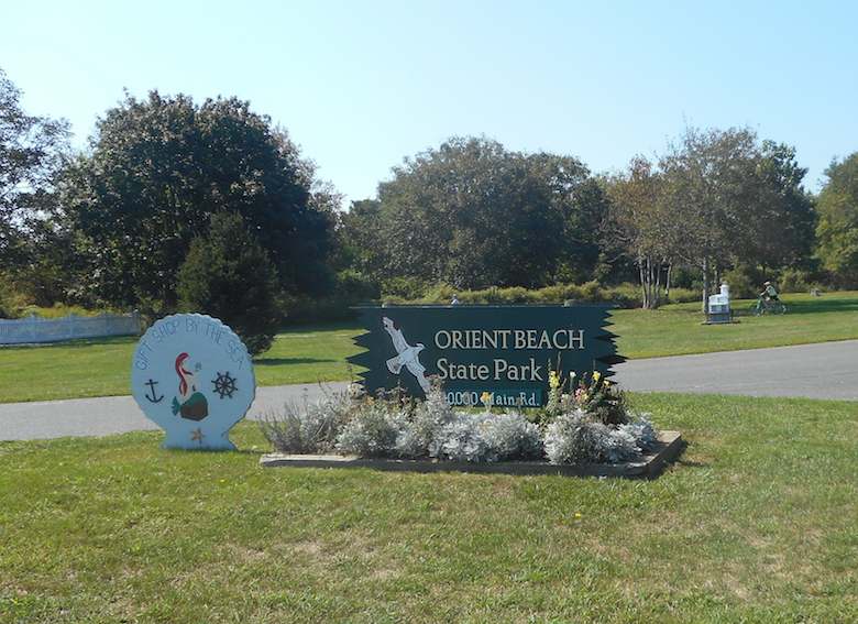 Orient_Beach_State_Park_NY_25_Entrance_Sign